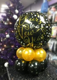 Black And Gold New Years Eve Balloon Centrepiece