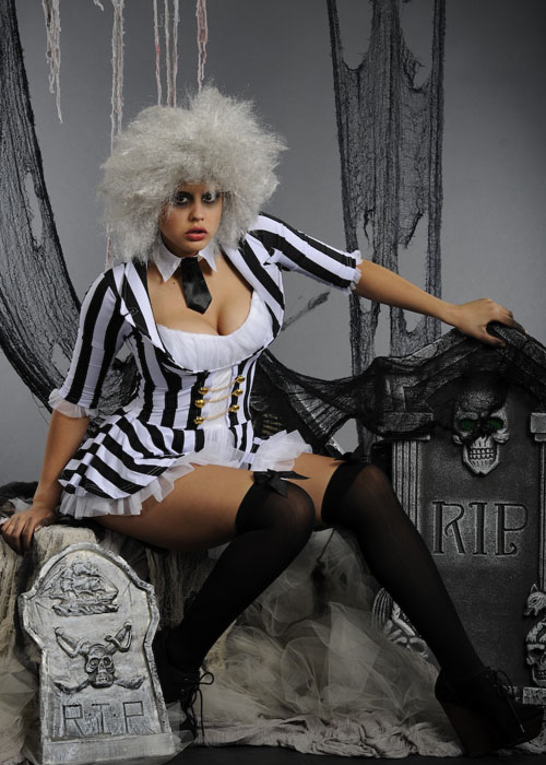 Adult Ladies Halloween Beetlejuice Costume Adult Womens