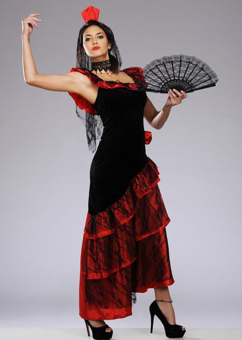 фотографии испанских костюмах модель сделает